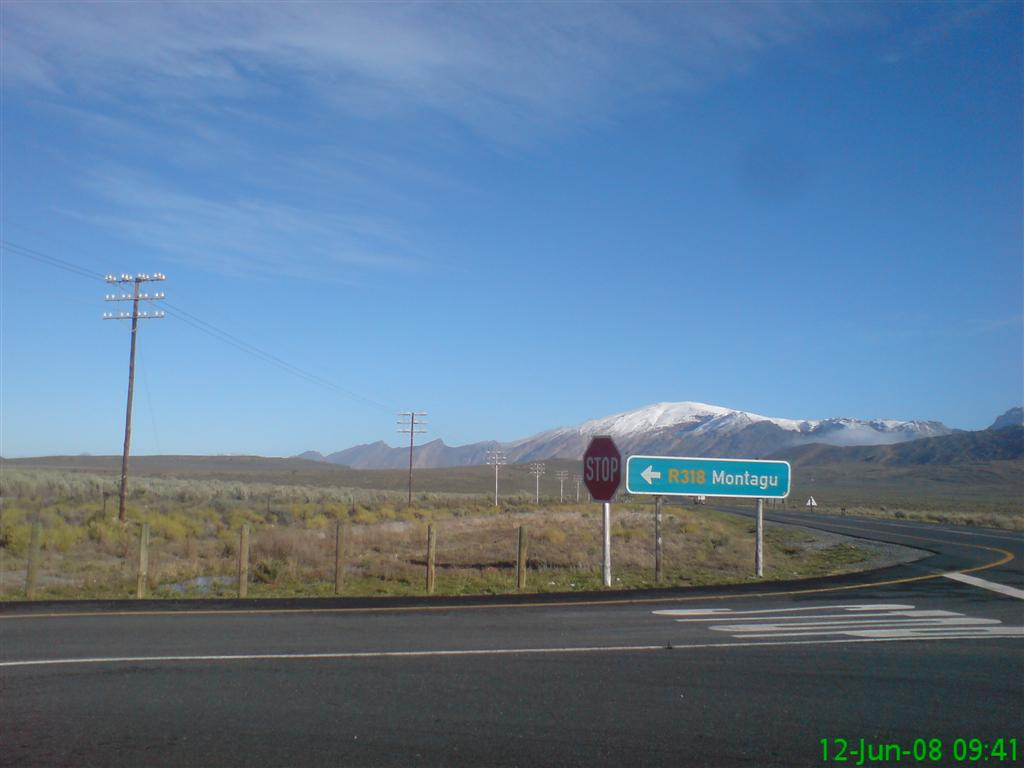Sutherland South Africa  city photo : Due to the cold front moving through, we had snow on the Matroos ...
